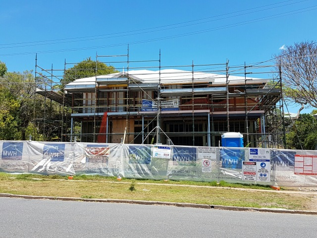 Queenslander with new roof - Brisbane renovation